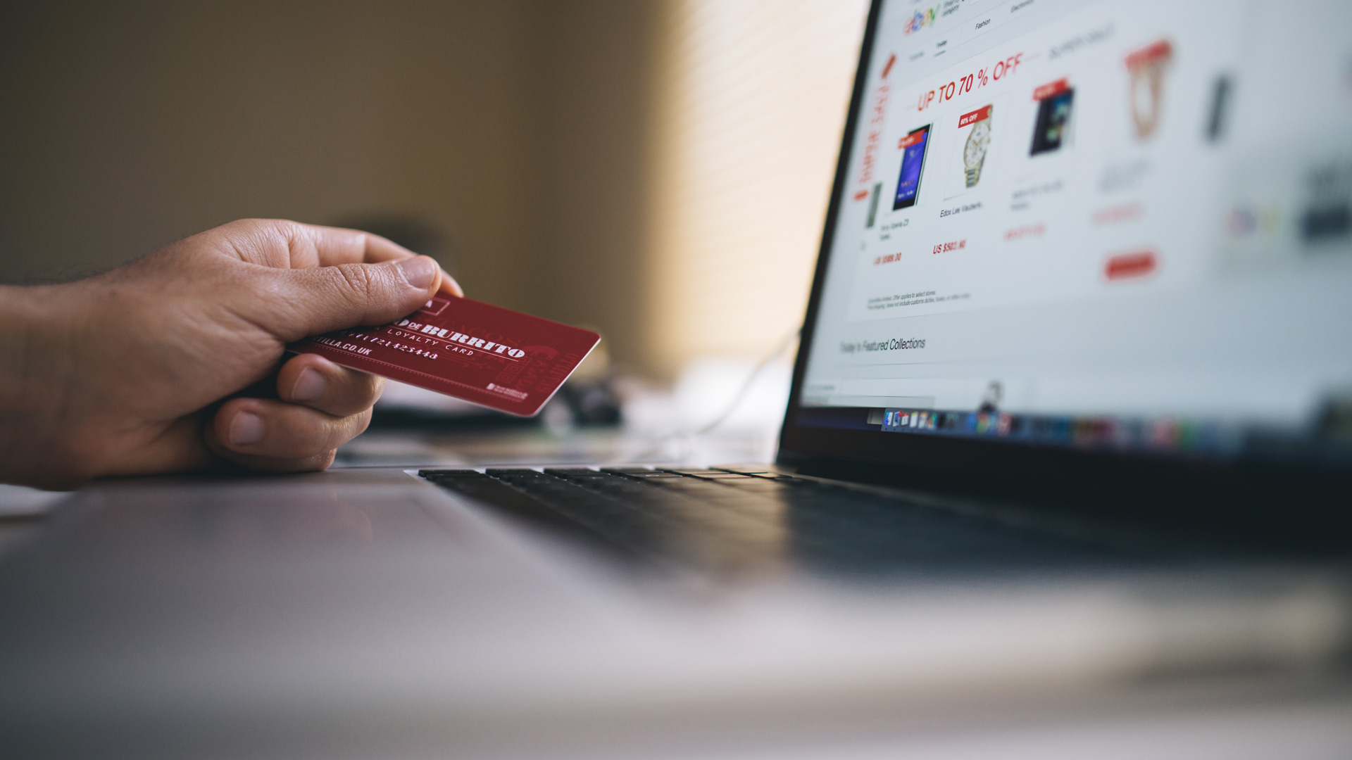 Online Shopping | Kingsland Linassi | Luxury Resort Marketing