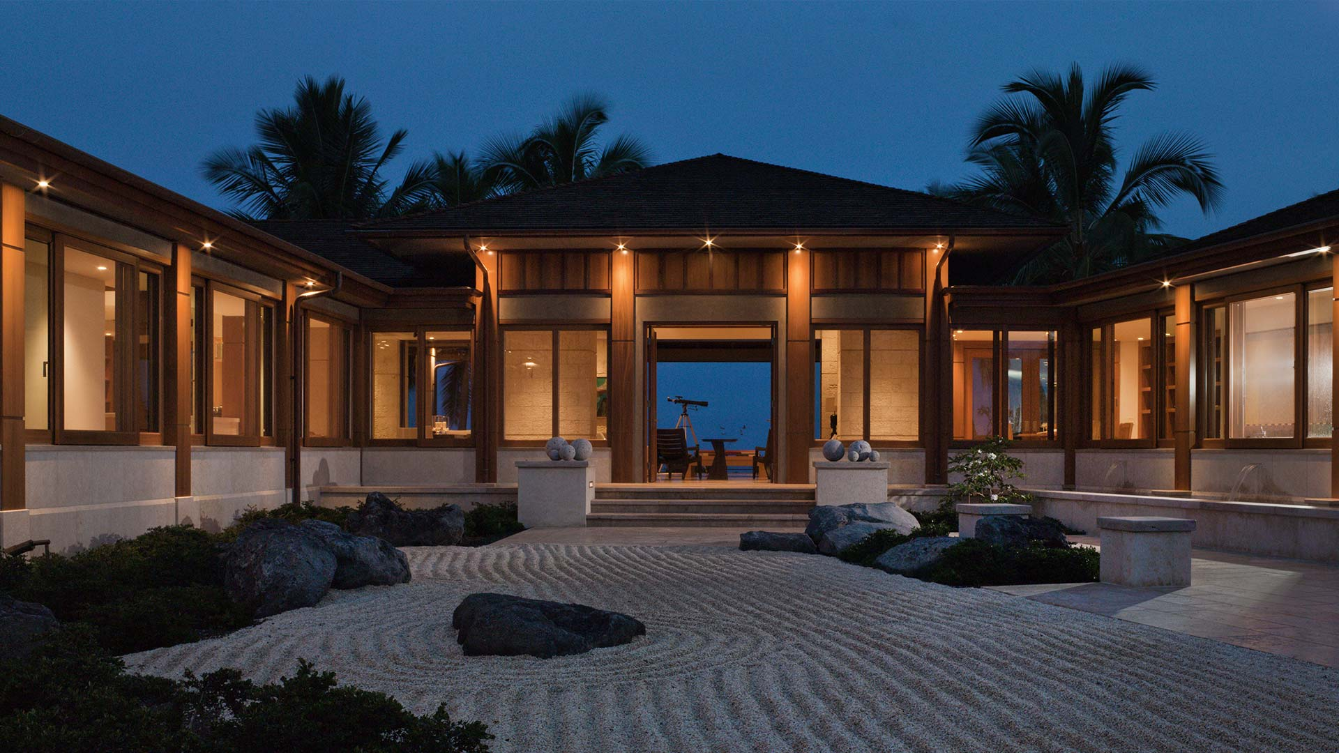 View of luxury Hawaiian residence, Makai | Branding | de Reus Architects